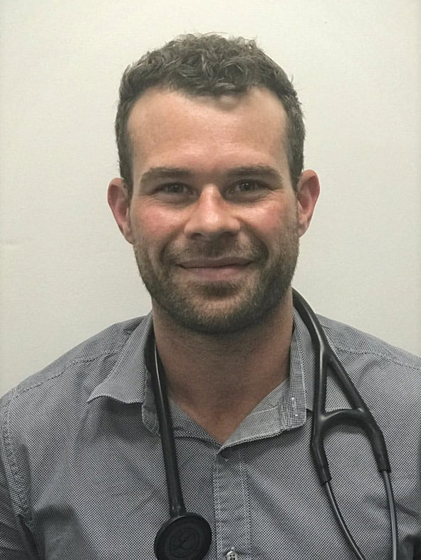 Dr Nick Pretorius vet